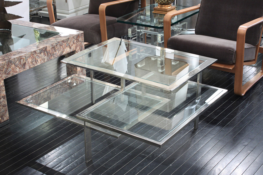 70's 75 chrome+glass 3 level coffeetable400 detail6 hires.jpg