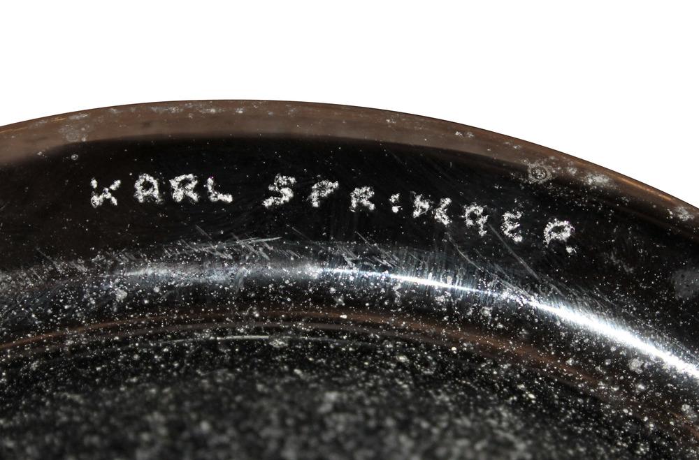 Springer 75 lrg black scavo urn glass74 detail4 hires.jpg