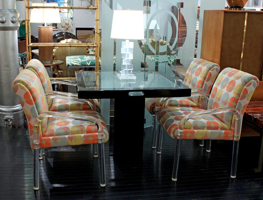 70s 60 geometric fabrics etof4 lucite arms diningchairs55 detail 3.jpg
