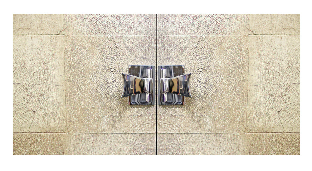 Laslo 150 TV shagreen doors cabinet46 detail1 hires.jpg