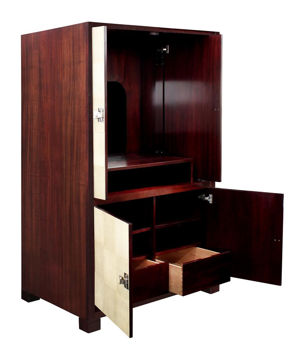 Laslo 150 TV shagreen doors cabinet46 detail4 hires.jpg