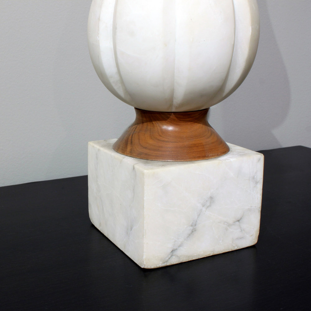 Ital 35 white carved marble 50s tablelamp232 detail2.jpg