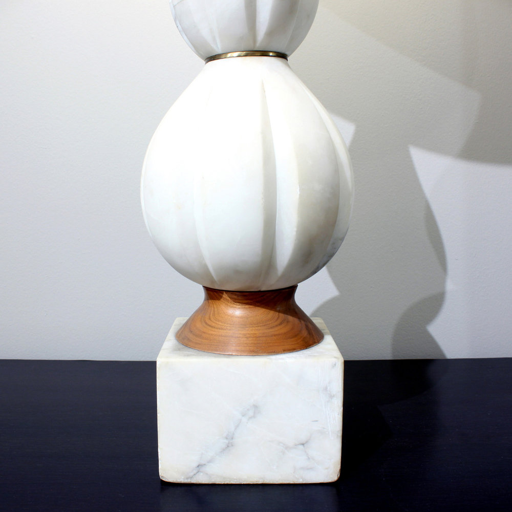 Ital 35 white carved marble 50s tablelamp232 detail3.jpg