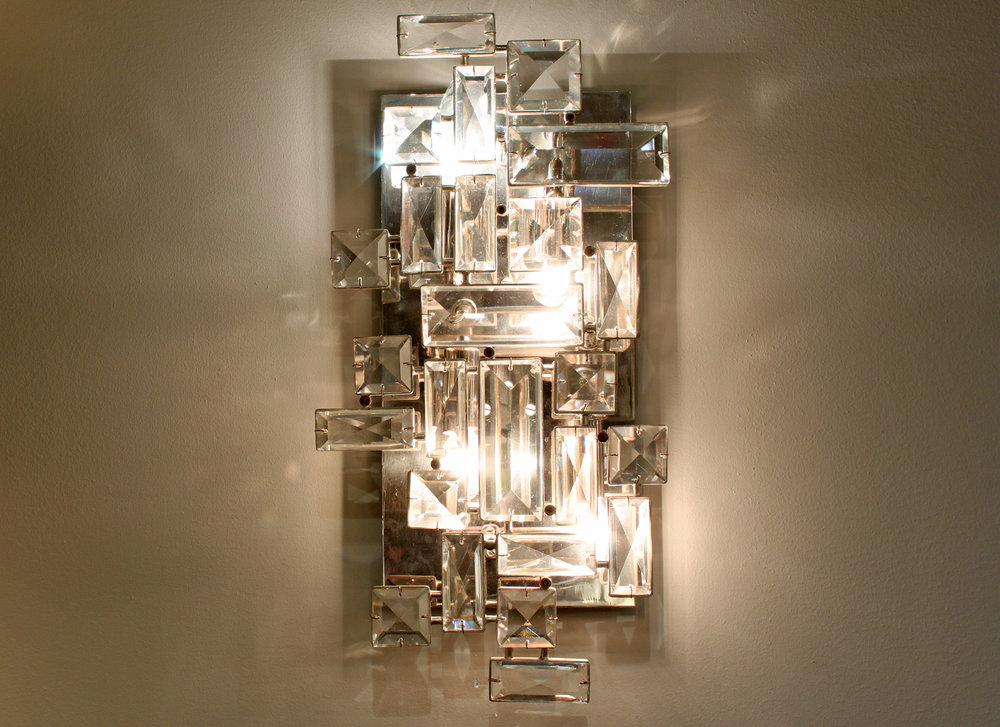 Lobmeyr 75 lrg faceted crystals sconce30 hires detail 2.jpg
