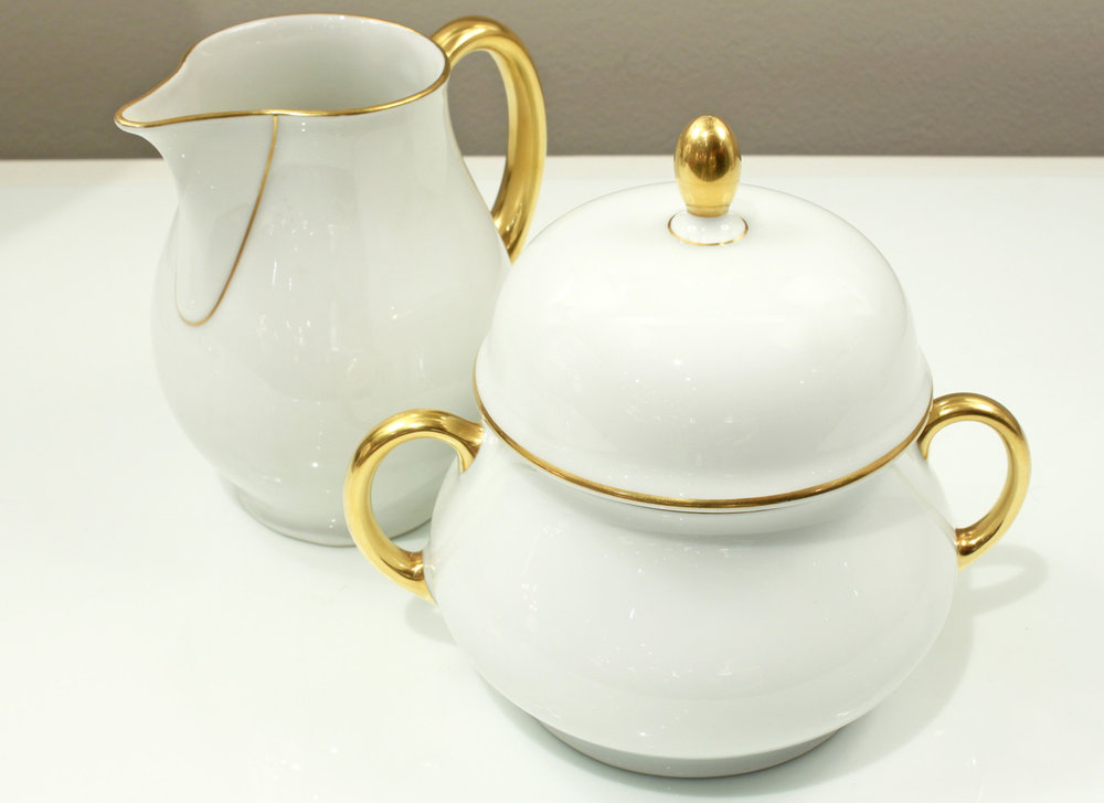 Thomas 15 porcelain dessert+coffee accessory150 hires detail 4.jpg
