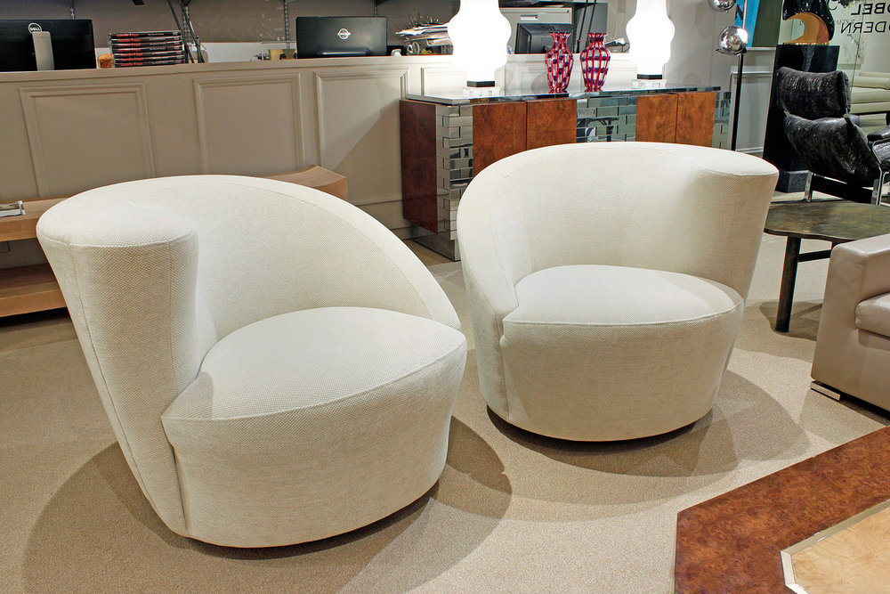 Kagan 85 cork scrw beige chenille loungechairs147 hires atm.jpg