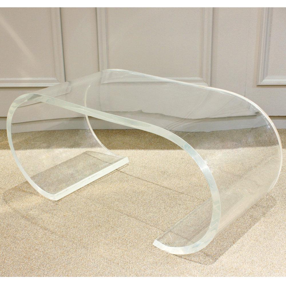 Springer 120 curved thk lucite coffeetable407 corner.jpg