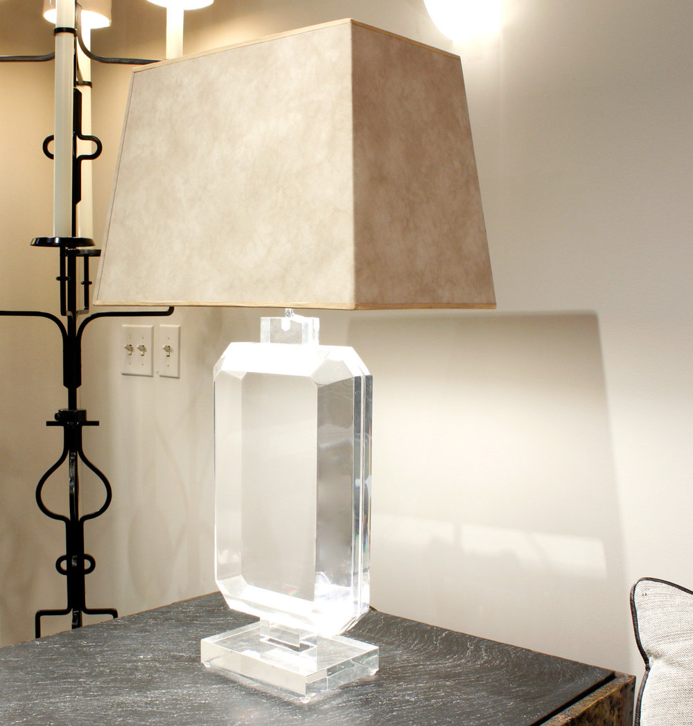 Prismatiques 35 lucite block tablelamp130 hires corner.jpg