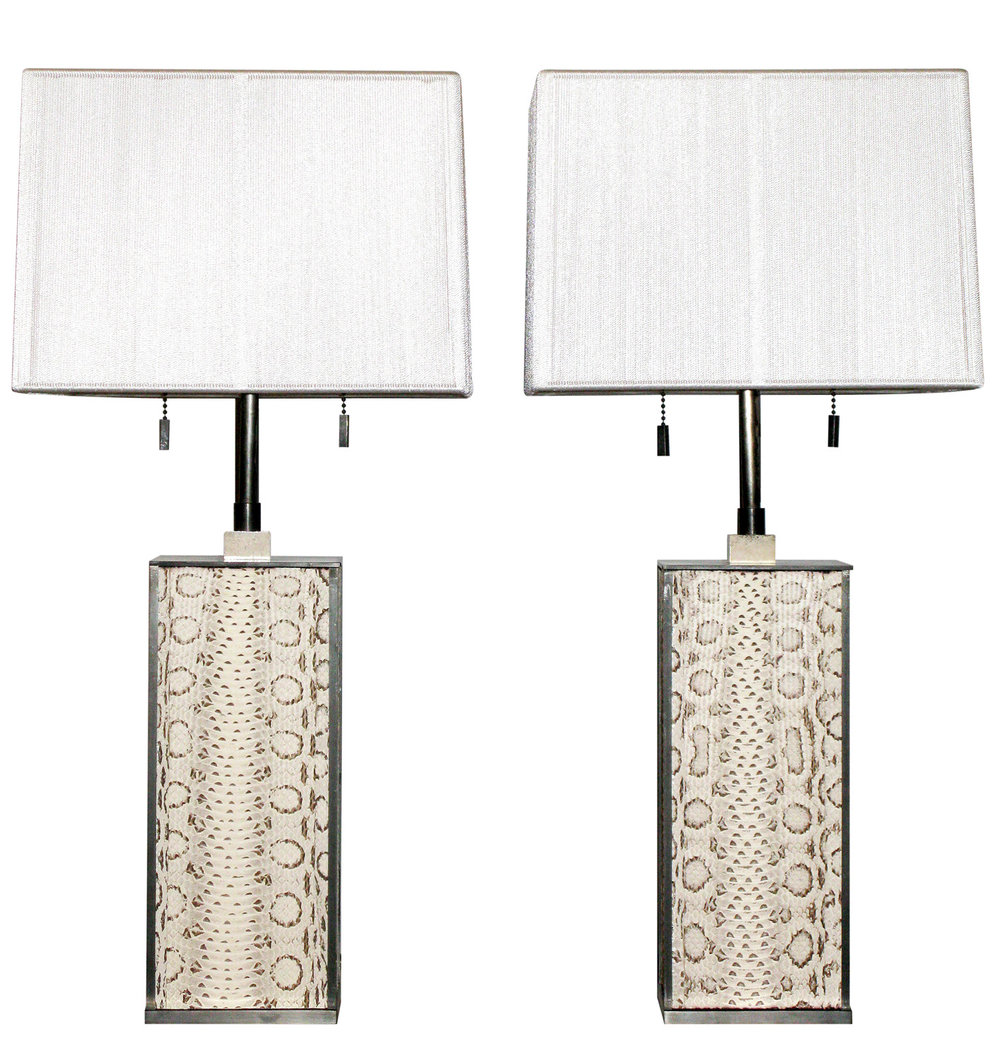 Springer 120 whiteboa+blk bronze tablelamps212 hires.jpg