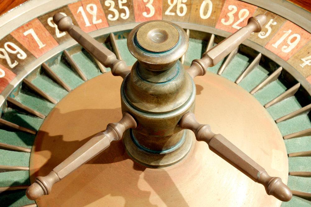 Caro Paris 65 roulette wheel gametable52 whl.jpg