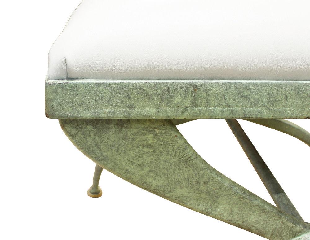 70s verdigris wrought iron X bench132 cnr dtl.jpg