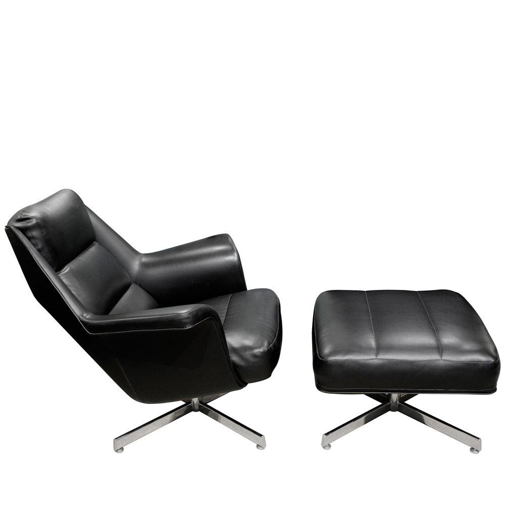 Tanier 65 blk vinyl chrome base chair&ottoman62 sde.jpg