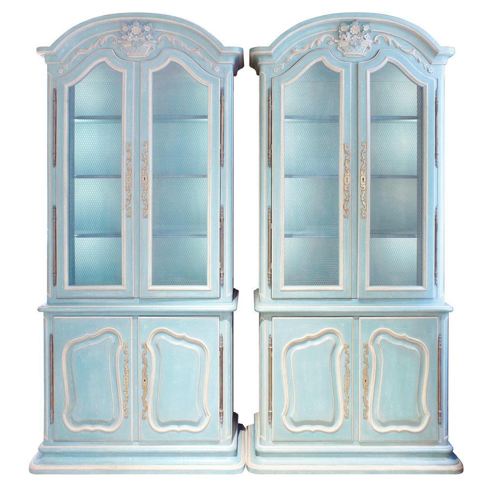 Auffray 180 Bressan Louis XV pr blu cabinet45 man.jpg