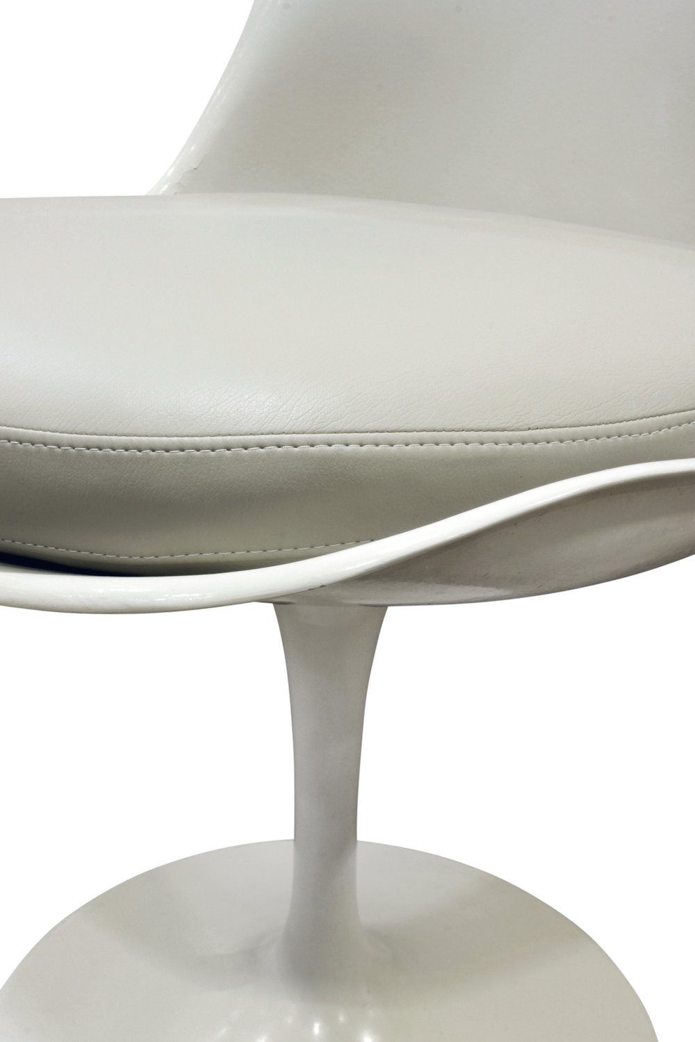 Saarinen 40 Tulip set 4 diningchairs179 cnr dtl.jpg