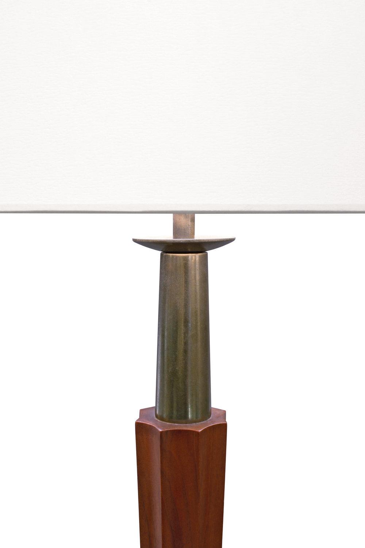Stiffel 15 4 point 10 base+walnut tablelamp62 top dtl.JPG