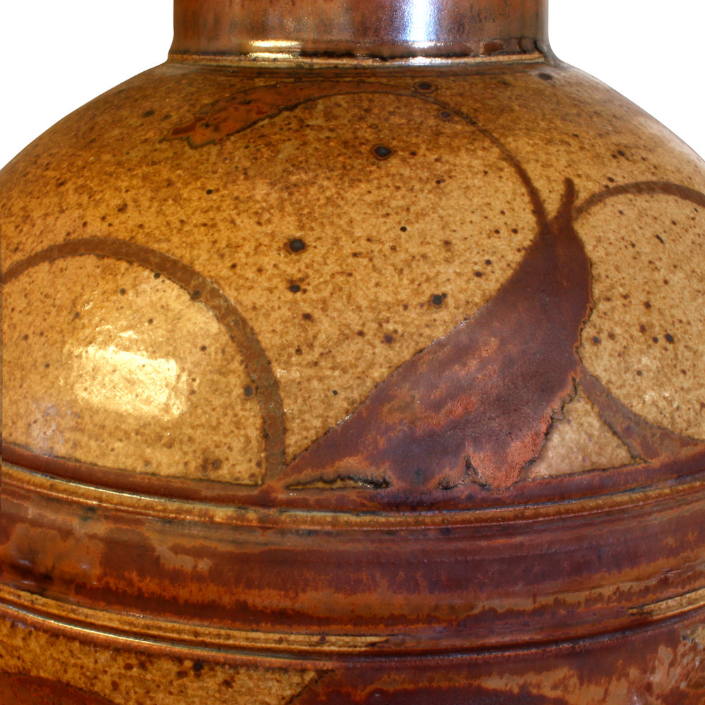 70's 25 stoneware salt-glaze tablelamp mid dtl.JPG