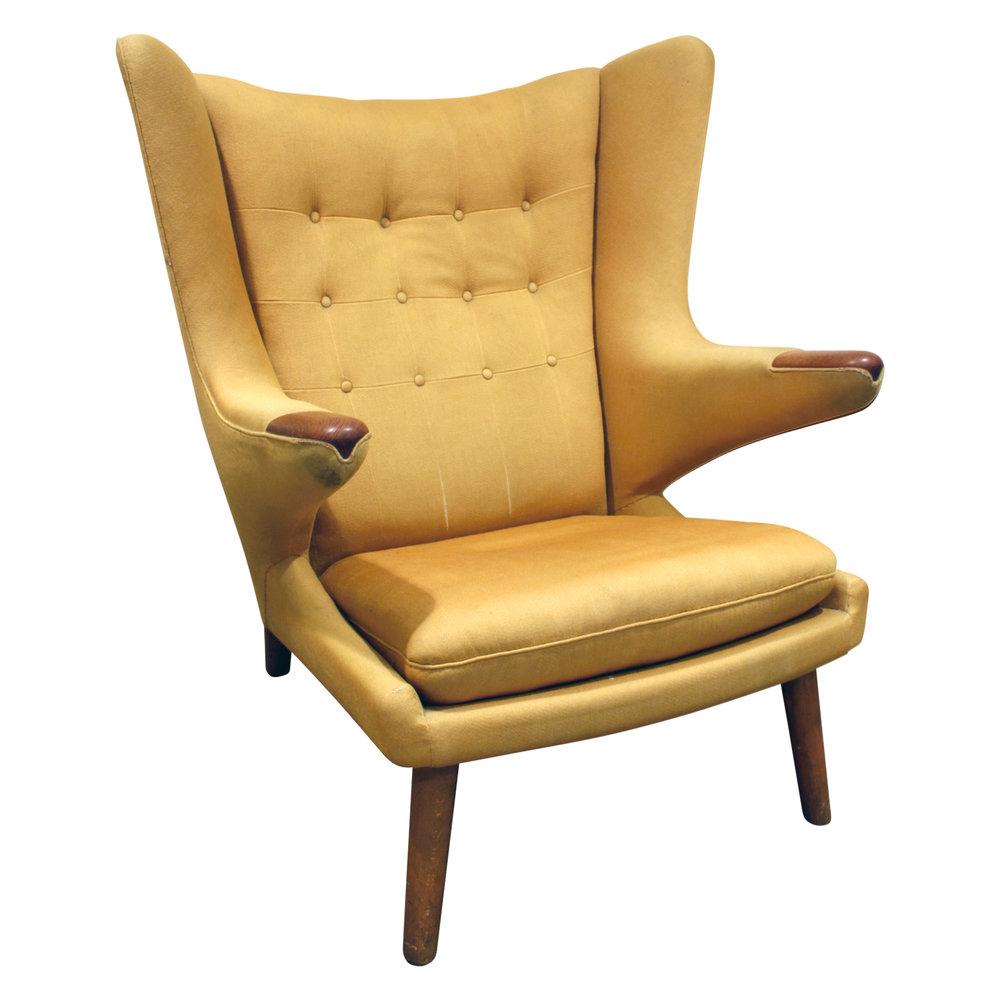 Wegner 120 Papa Bear yllw fbric loungechair98 fnt.JPG