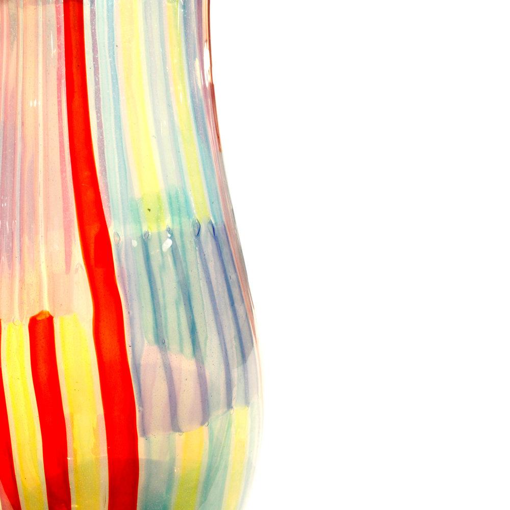Fuga 250 lrg colorful rod Bandiere vase fuga100 dtl2.JPG