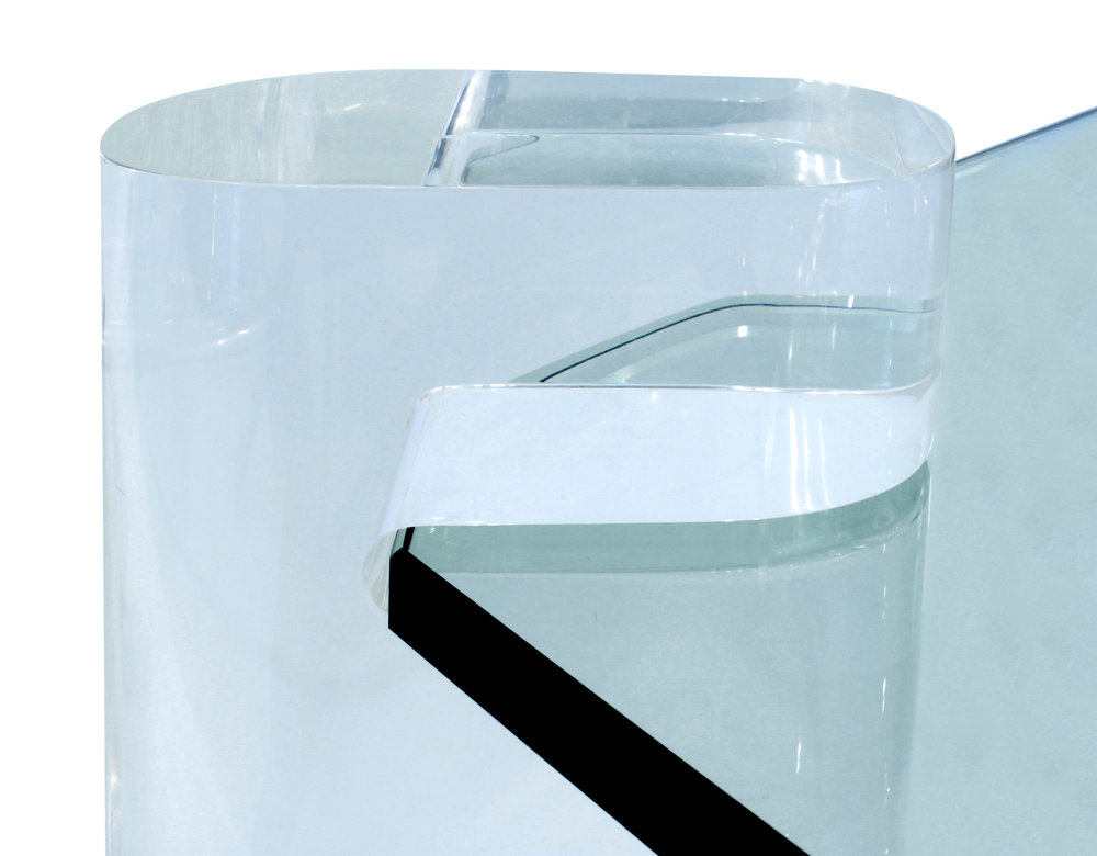 Springer 85 4 lucite legs coffeetable287 details5 hires.JPG