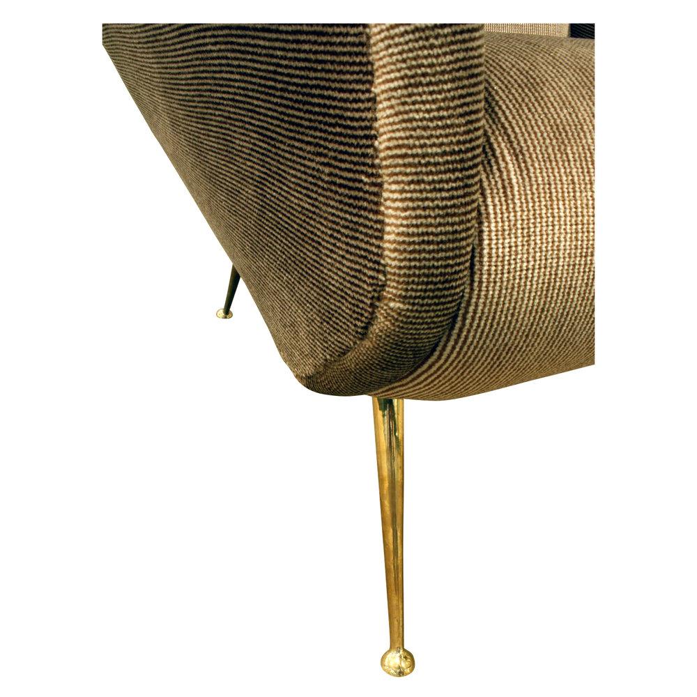 de Carli 120 sculptural brass legs loungechairs175 dtl3.JPG