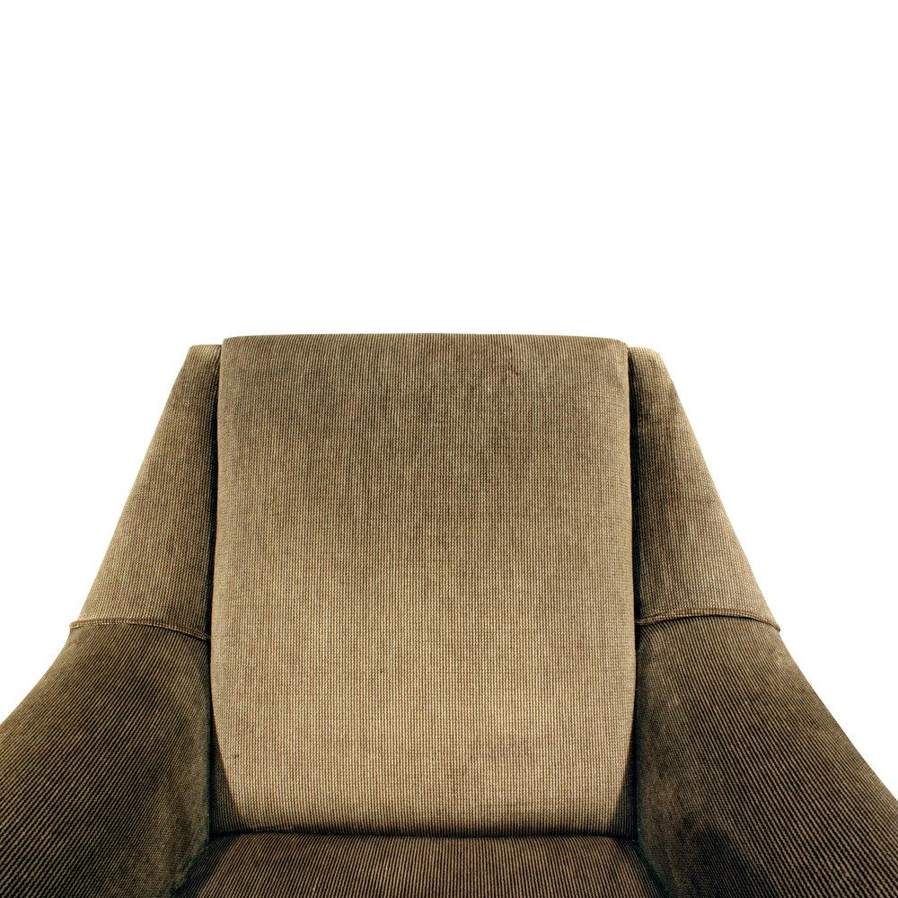 de Carli 120 sculptural brass legs loungechairs175 dtl2.JPG