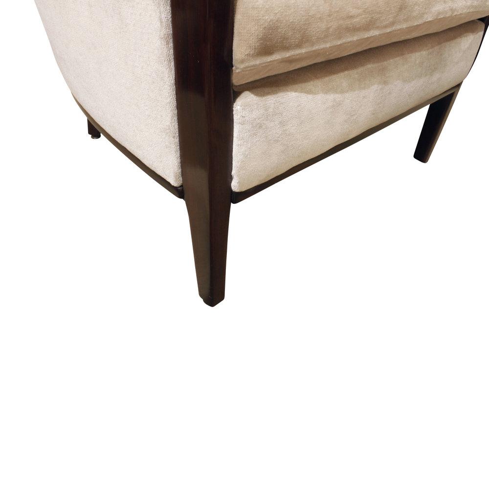 French 150 30s chairs mahg trim loungechairs188 dtl2.jpg