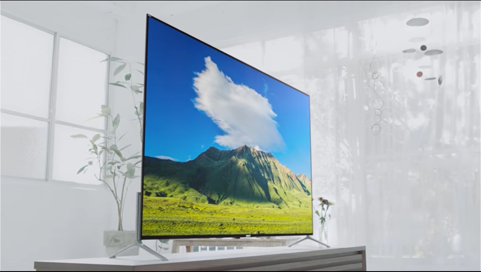 "Still from ""Bravia X9000C/X9100C series Floating Style – Our Thinnest ever 4K TV,"" YouTube Video, 1:16, Advertisement published by Sony on January 5th 2015. Accessed March 26, 2017. https://www.youtube.com/watch?v=x5iczT4f17Q."