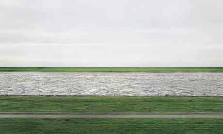 Andreas Gursky, Der Rhein II (Rhine II, 1999. Photograph, colour, Chromogenic print, on paper. Frame: 2063 x 3575 x 50 mm image: 1564 x 3083 mm