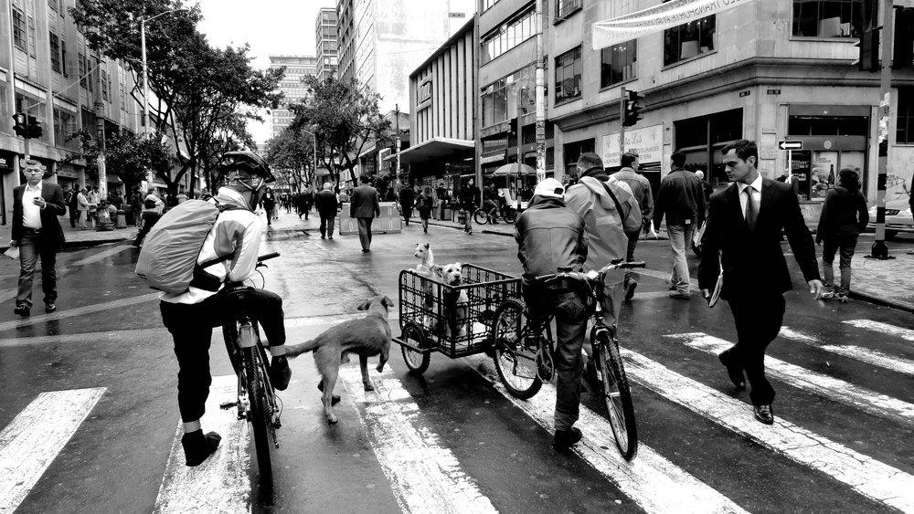 """Fig. 9 Imágenes de la autora, tomadas en el año 2014 durante el desarrollo del proyecto """"Sensing La Séptima: A Haptic Approach to Urban Practices in Bogotá's Public Spaces"""""""