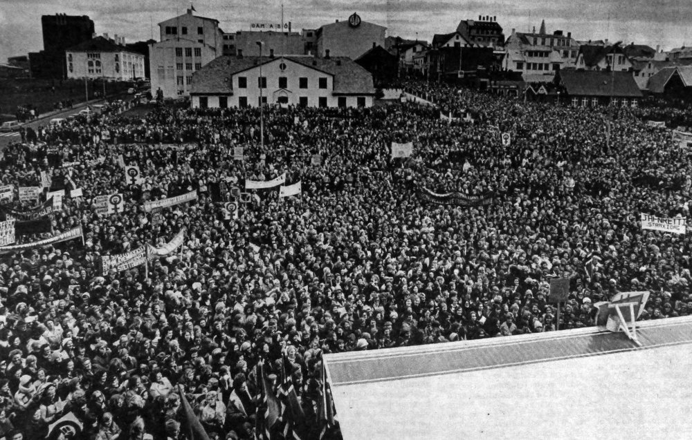 fig 3. 25,000 striking women gathered in Reykjavik for Women's Day Off. Courtesy of Icelandic Women's History Archives.