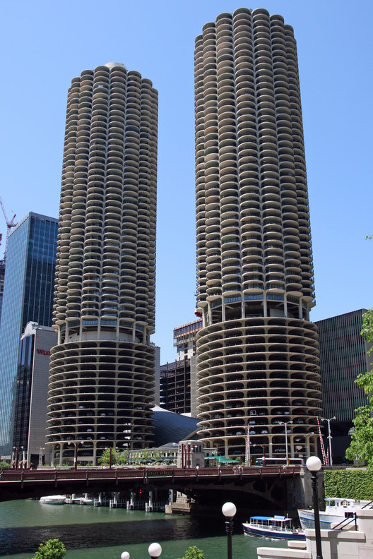 Bertrand Goldberg, Marina City, 1964. Chicago, IL, USA. Image credit: Andrew Kroll, Architecture Daily, November 10, 2010.
