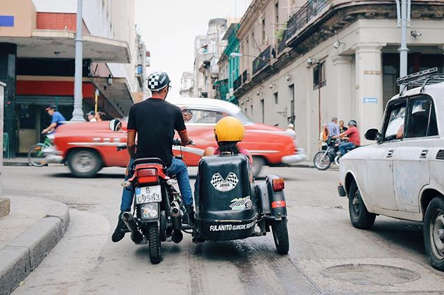 They get around in style in Havana! #Cuba 🇨🇺