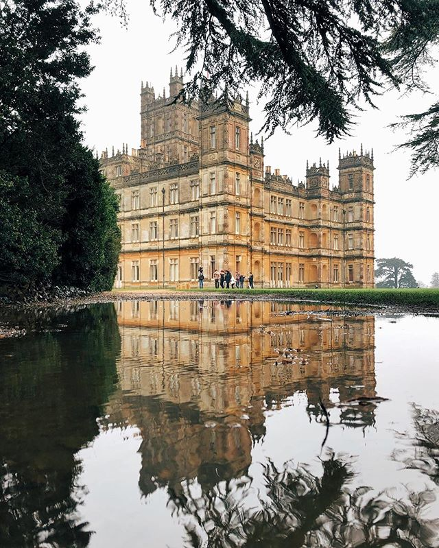 Easter Monday at a rainy Highclere Castle, which you may recognise from a hugely popular period drama... #highclerecastle #downtonabbey #castle #gollygumdrops
