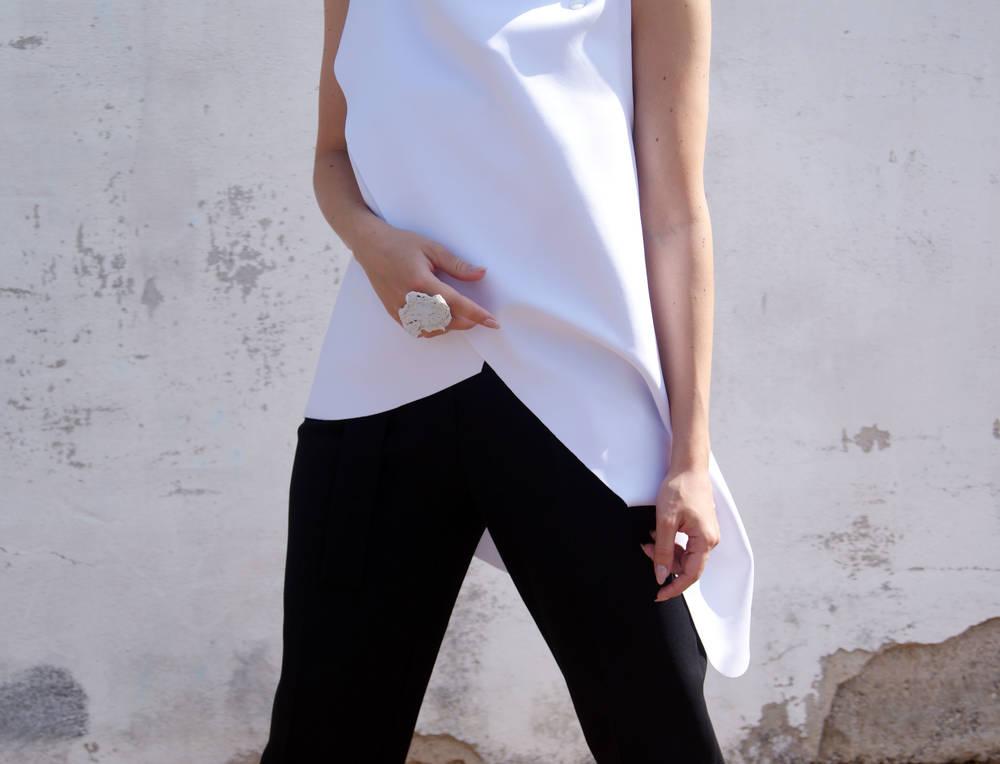 White on white - Perfection!  Blog: http://www.mesmerizefashion.eu/2016/06/malaika-unique-rings.html   Shop: http://www.malaikallc.com/shop-1/tj8icmnff5n54rt5zs4k2y8otygp9bv