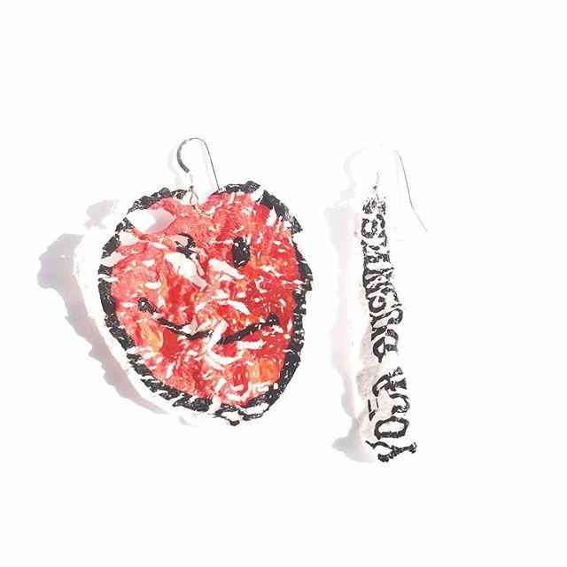 "But when it all comes to an end we extend it... Jewelry made from ""thanks for shopping"" bag Custom orders are welcome ☀️🎈 Happy Friday! . . . . . .  #ethicalfashion #zerowaste #zerowastefashion #ecofashion #streetwear #streetstyle #vegan #sustainable #slowfashion #femaleentrepreneur #ecofriendly #sustainablefashion  #architecture #consciousfashion #malaikanewyork"