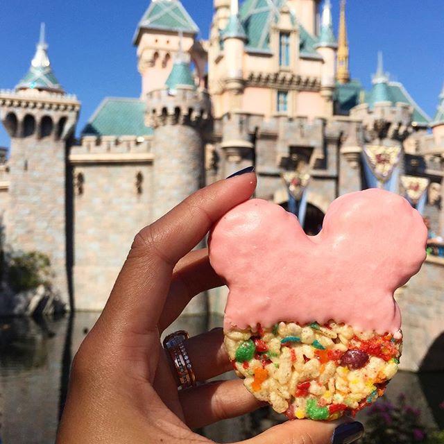 My kind of Minnie ears. #brandisbites #fruitypebbles #disneyland