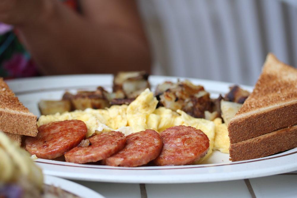 Portuguese Sausage Breakfast Platter