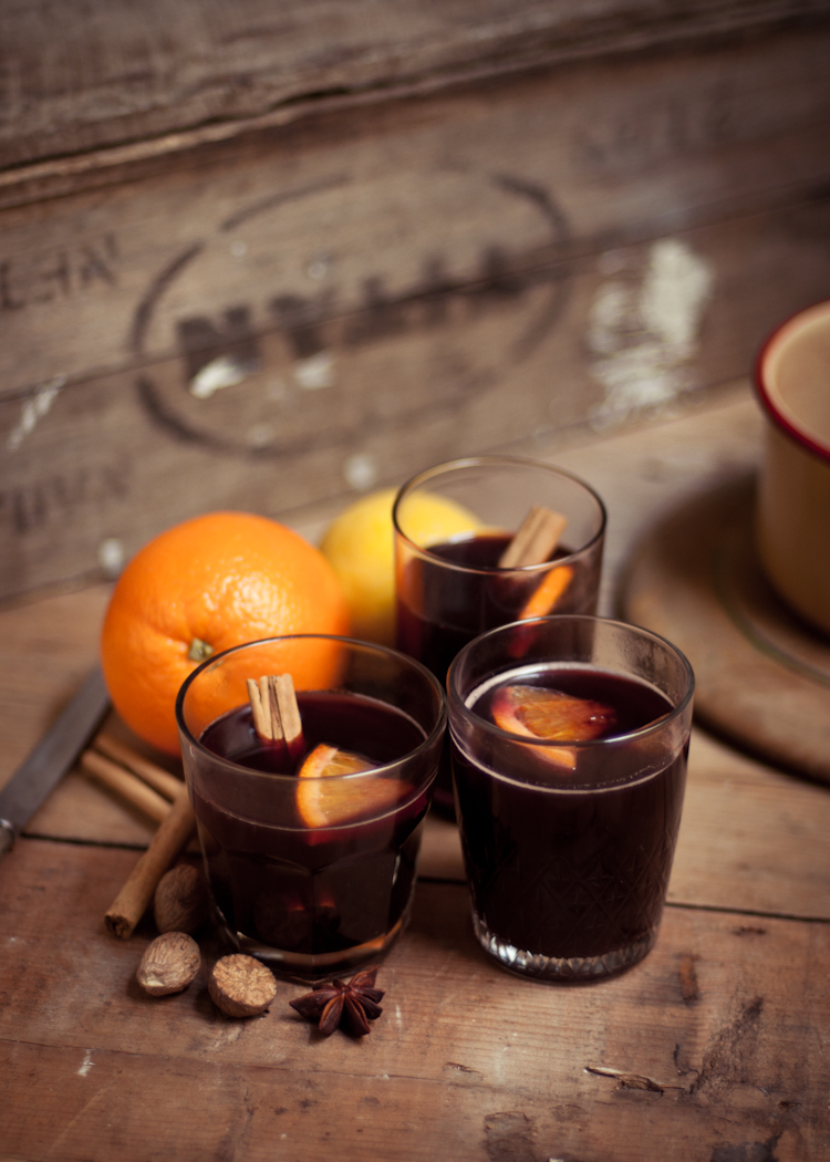 Adeline and Lumiere's spiced mulled wine -Image via http://adelineandlumiere.com/2012/08/07/best-ever-spiced-mulled-wine/