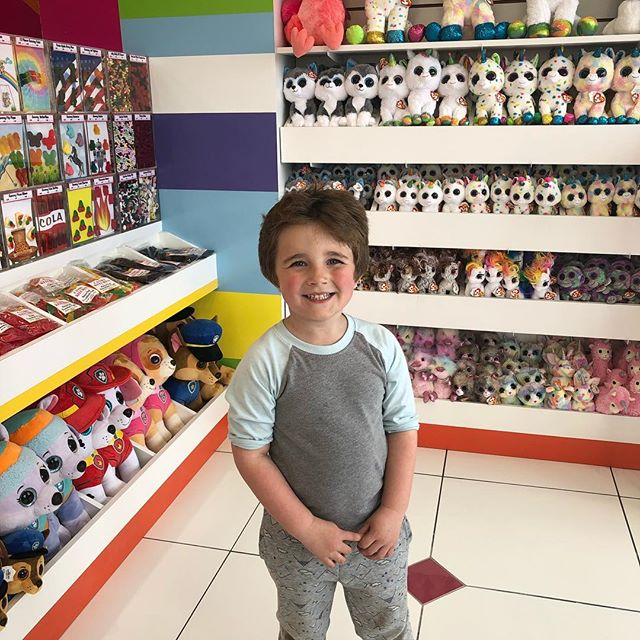 Someone has been patiently waiting for the newest @candykitchenshoppes  location to open near our house! We love our loyal customers! The store looks beautiful!  #candy #sweettooth #newwaverunsthisshore #familyownedandoperated
