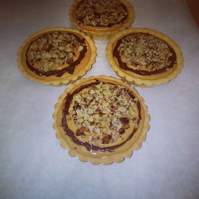 Organic peanut butter chocolate tarts topped with walnuts: low carb, low glycemic and so yummy! Grain, gluten, dairy, soy, and GMO free, and so good you won't believe they are healthy! Come try one today at Old Town North Farmer's Market (next to tennis courts) 4pm to 8pm