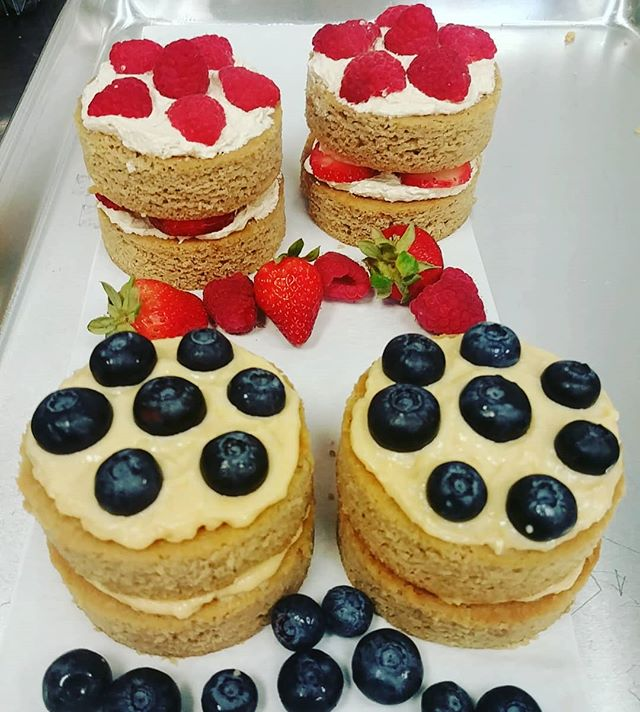 Organic Paleo berry mini cakes: vanilla with lemon curd with blueberries and vanilla vanilla with strawberries and raspberries get one @old_town_north_market tomorrow 4-8pm or Fri at @capharvestdc 11am-3pm