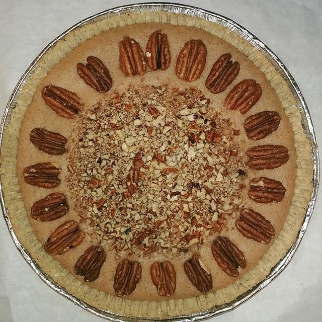 Vegan pecan praline pie! Paleo, low sugar, but super yum! 😋 If you missed out for Thanksgiving, place your order for the Holidays