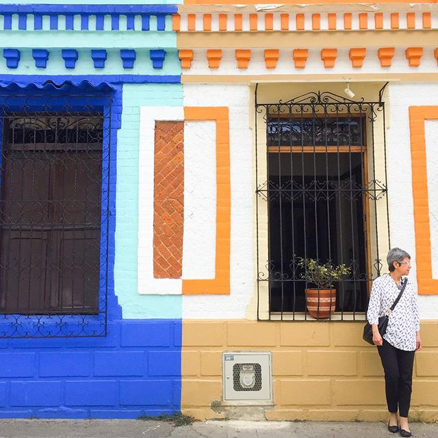 Living in colour....💙 . . . . #colombia #homesweethome  #fullheart #itsinthedetails