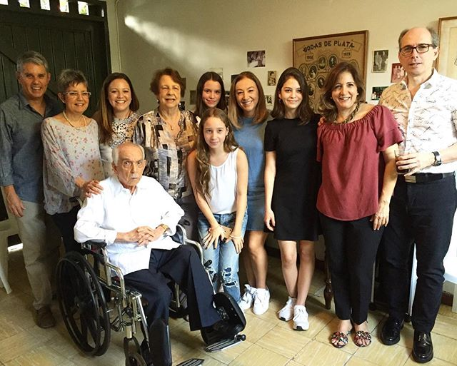 Celebrating a lifetime of happiness...The big 90 👴🏻! . . . #famila #homesweethome #heartisfull #lifetime