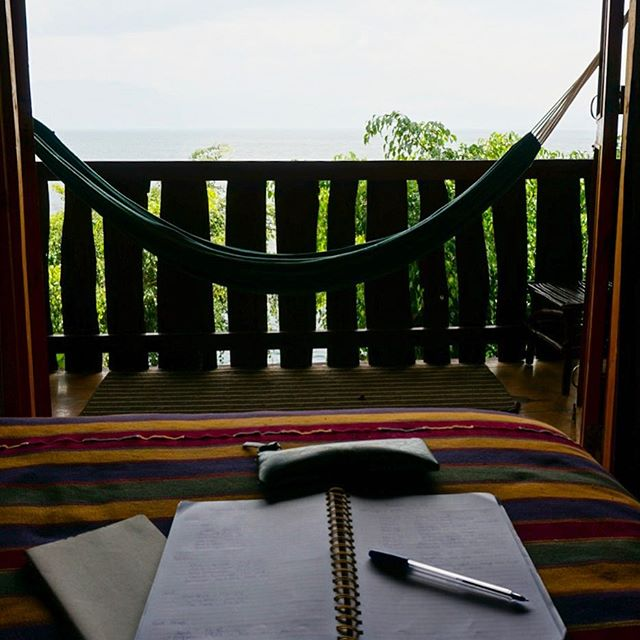 Happy, thank you, more please 🙏🏼 My office and room for the week 😍... Yesterday I had a not so great (read horrible) experience on the lodging front, which made me realize how we typically take our clean and comfortable homes for granted.🏡 So grateful to have found this lovely spot to explore beautiful Lake Atitlan and it's surrounding towns🙏🏼