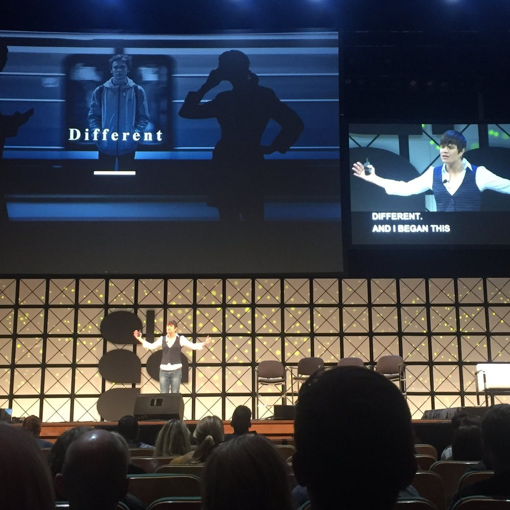 Elise delivers a presentation at the AIGA national conference in Minneapolis.Talk: Average is useless (AIGA 2017)