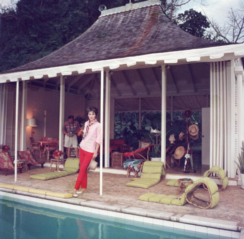 Classic Female Celebrities through Slim Aarons' Lens (2) (1).jpg