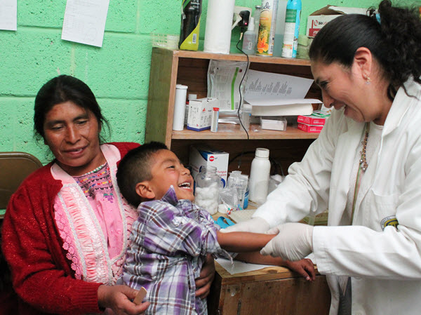 Weekly Vaccination - Many of the infectious diseases that are commonly spread are easily preventible through vaccination. That is why Primeros Pasos, together with local health care providers, started a free vaccination service every Wednesday at the clinic.
