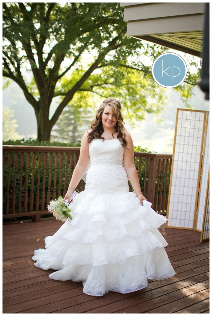 bride posing, kayes photography wedding