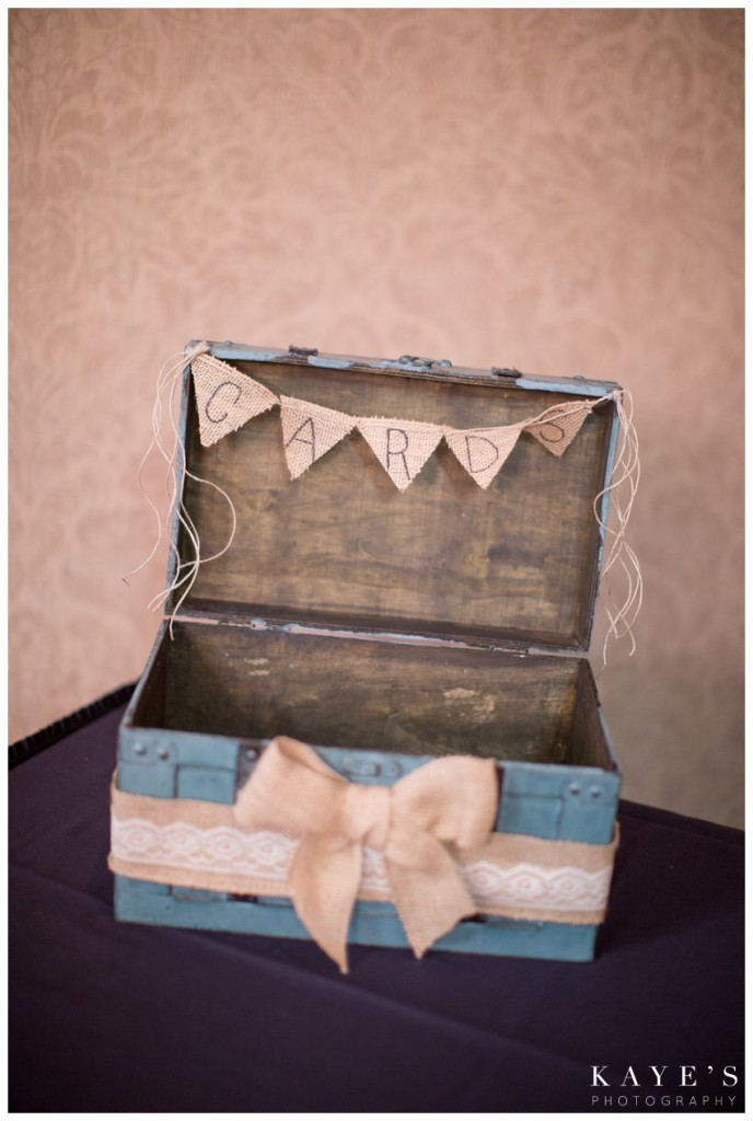 Card box, burlap, turquoise